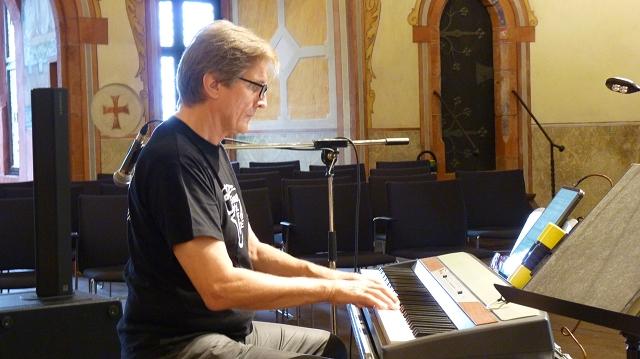Dieter am Klavier